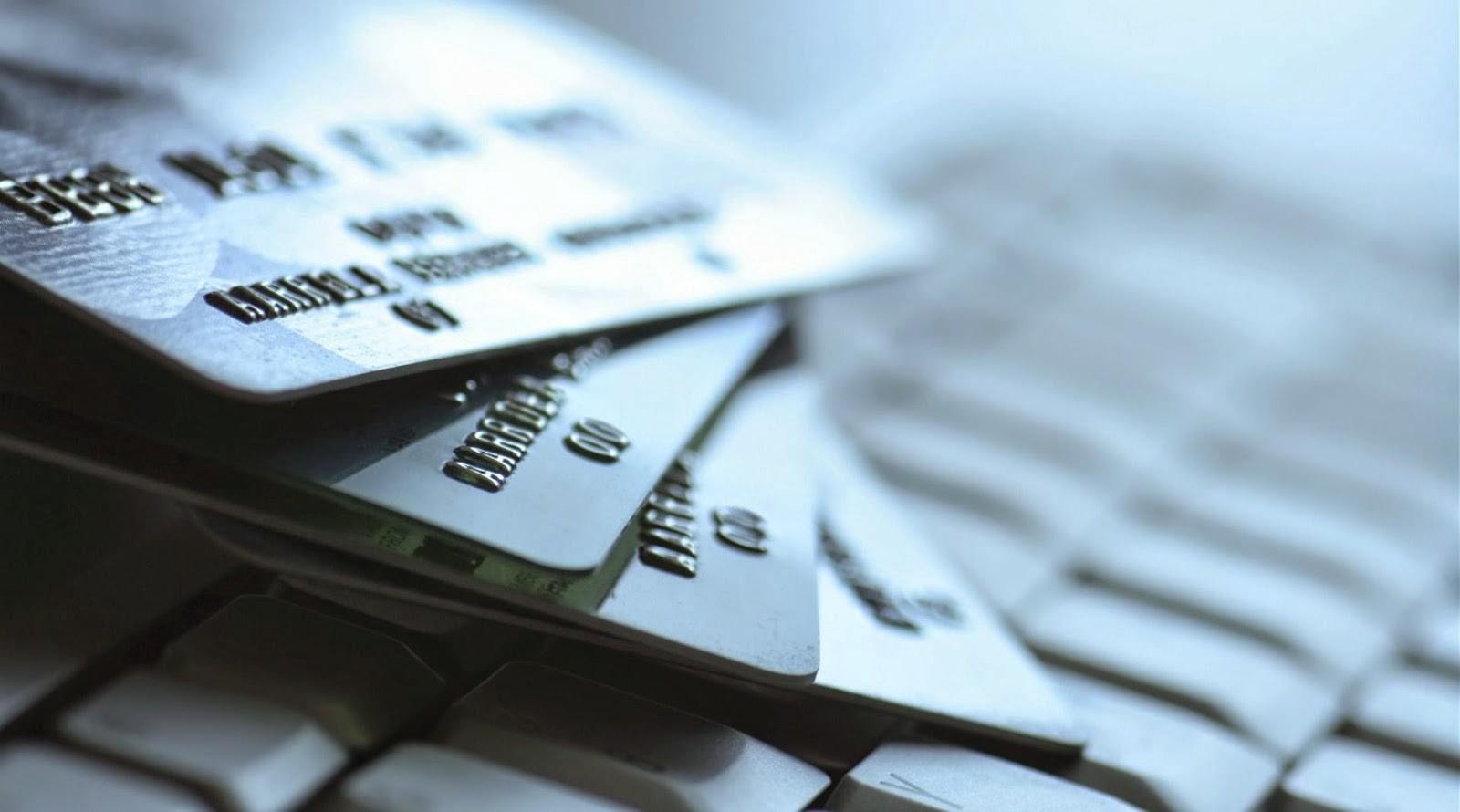 Наша кратковременная память хуже, чем мы думаем. Поэтому банки разделяют номера кредиток на блоки из четырёх цифр.